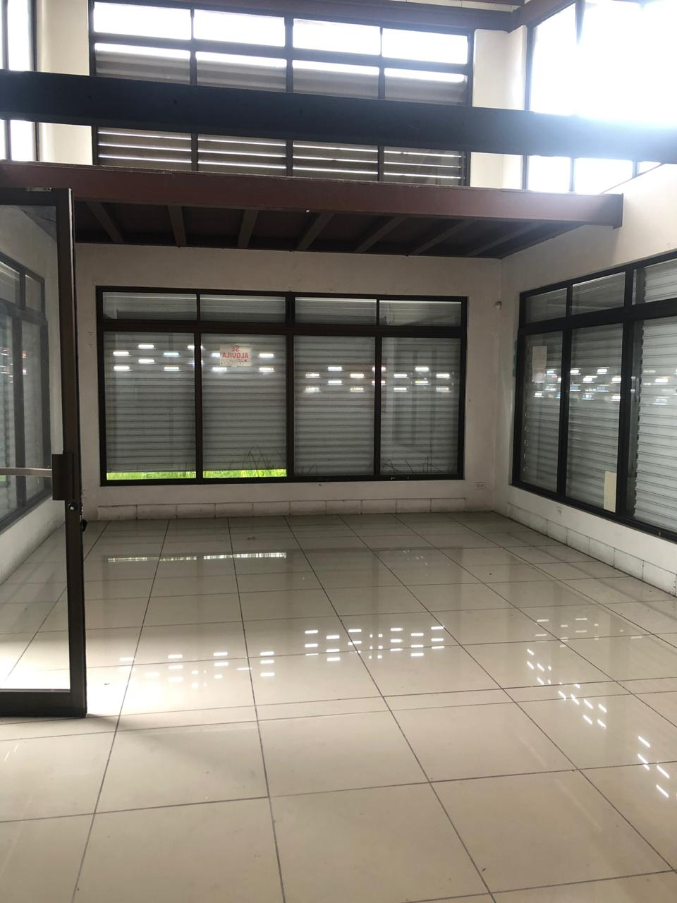 Shop for rent, Escazú. 40 sq mts